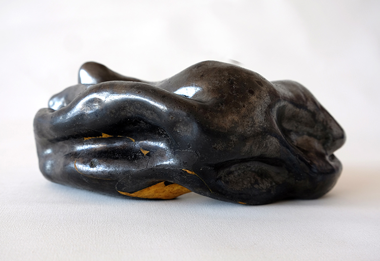 #gaiacarboni #smokedpottery #contemporaryart #italianartists #artistitaliani #contemporaryartitalian #buccherocontemporaneo #ceramicaarcaica #artecontemporaneaItalia #arcaicceramic